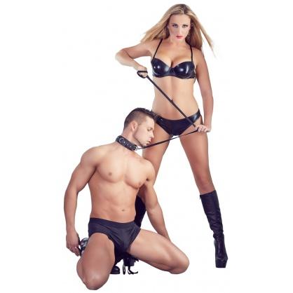 Černý silný obojek s hroty pro BDSM hrátky